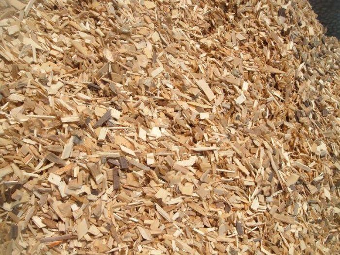 Paillage bois Esnault Paysagiste à Saumur