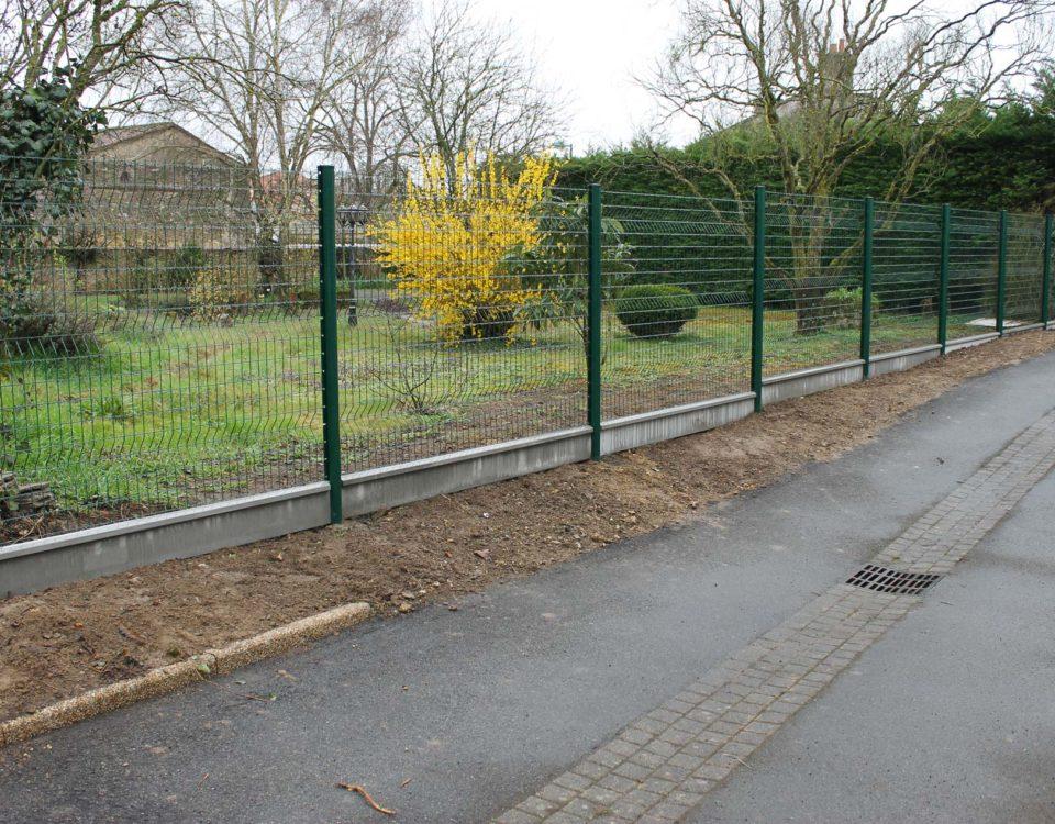 Photo d'une clôture installée par Esnault Paysagiste à Saumur